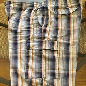 Tommy Bahama Shorts - Tommy Bahama Bermuda shorts in Blue stripes